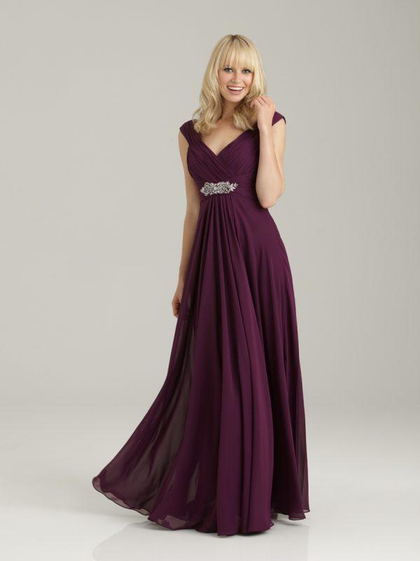 Pamergių suknelė nuleistais pečiais 1334F