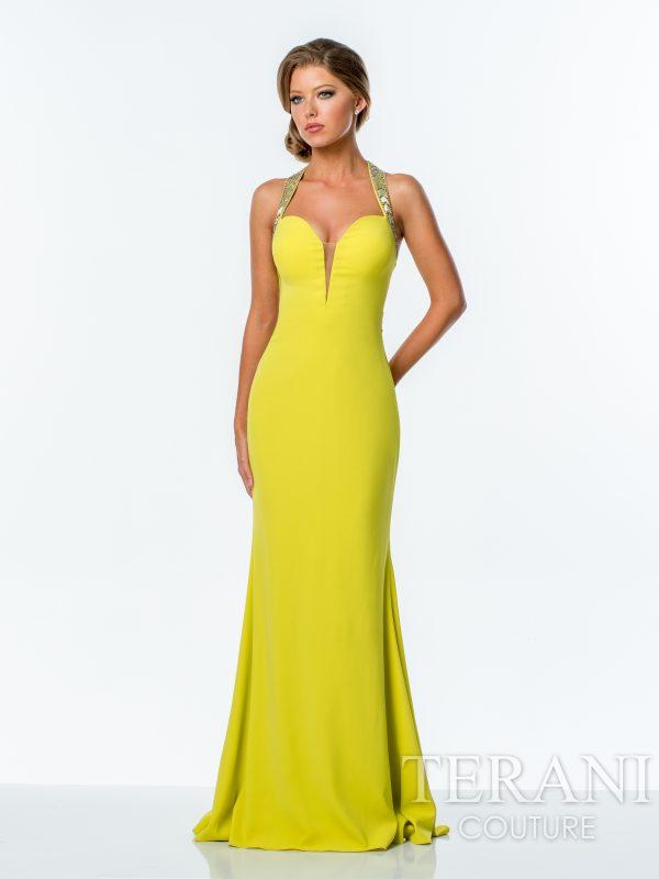 Geltona proginė suknelė pagilinta iškirpte,
