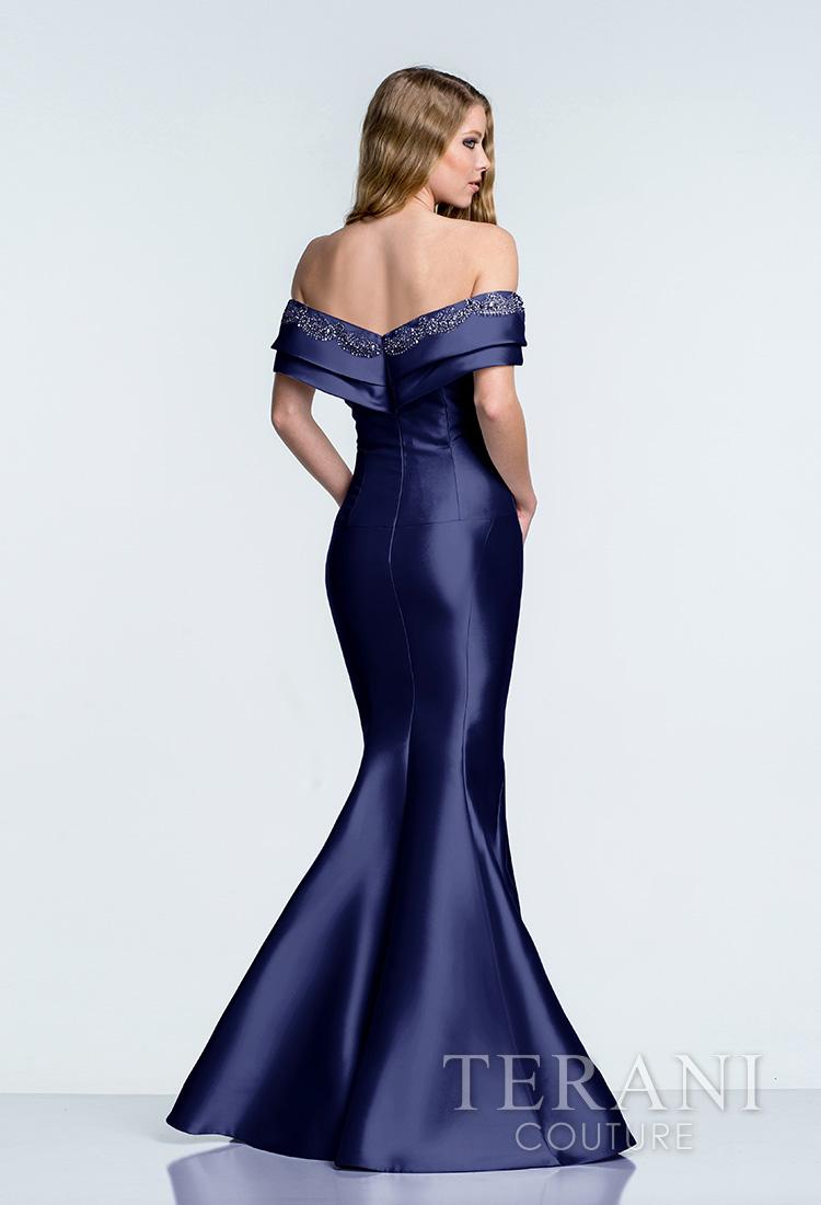Mėlyna proginė suknelė nuleistais pečiais 1521M0615