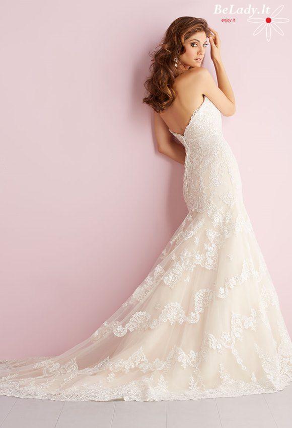 Undinėlės formos vestuvinė suknelė atvirais pečiais 22_2712B