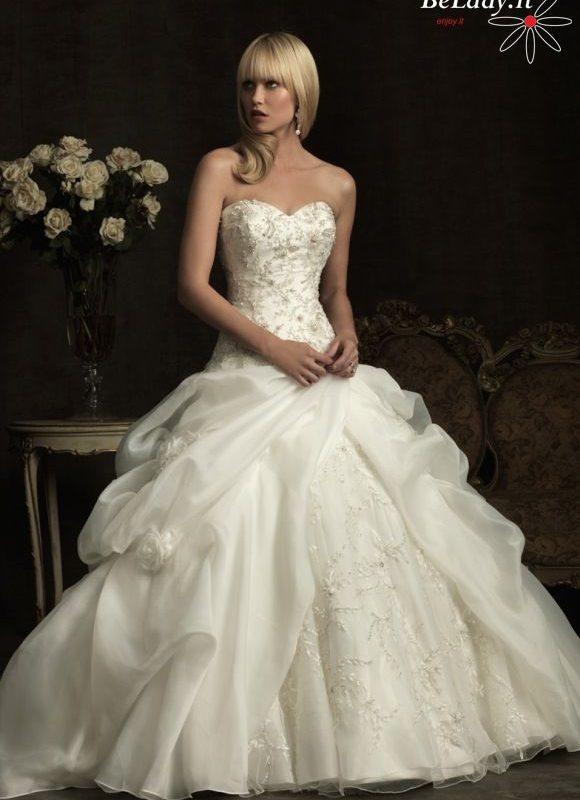 Vestuvinė suknelė su labai dideliu šleifu 30_8907F