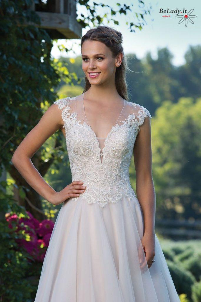 vestuvinė suknelė su rankovytėmis