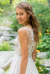 Puošni vestuvinė suknelė