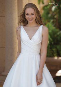 Lygi vestuvinė suknelė 44080_