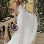 Levandų spalvos vestuvinė suknelė 44105B
