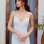 Bohemiška vestuvinė suknelė ant petnešėlių