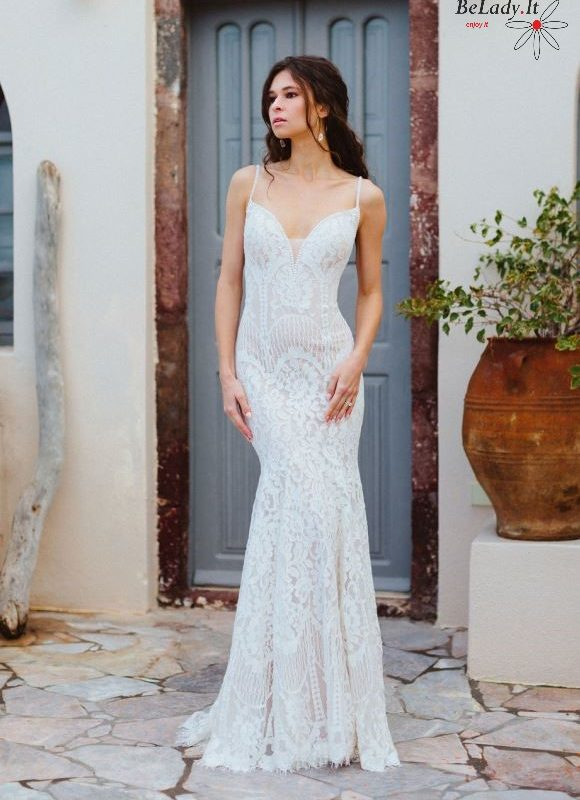 Bohemiška vestuvinė suknelė ant petnešėlių vestuvems