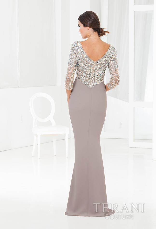 Prabangi proginė suknelė žėrinčiais kristalais