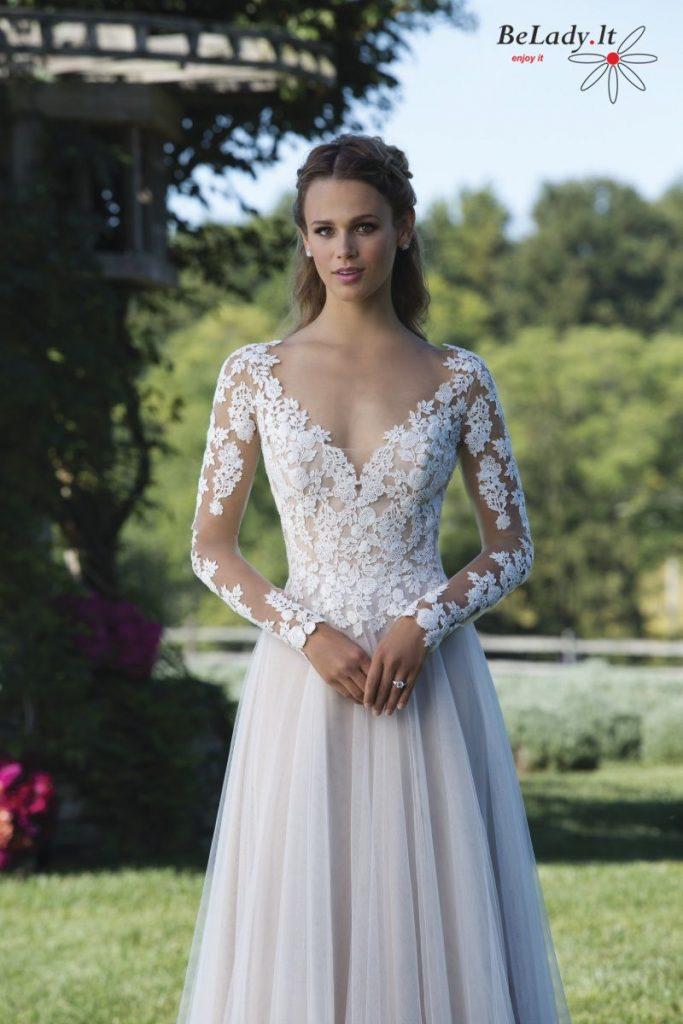 Minkšta vestuvinė suknelė ilgomis rankovėmis