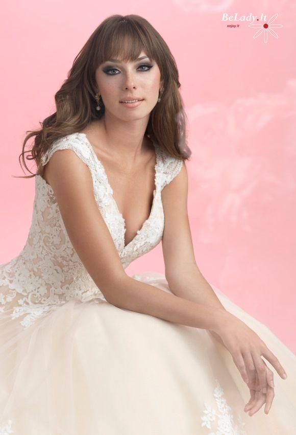 Aukso spalvos vestuvinė suknelė