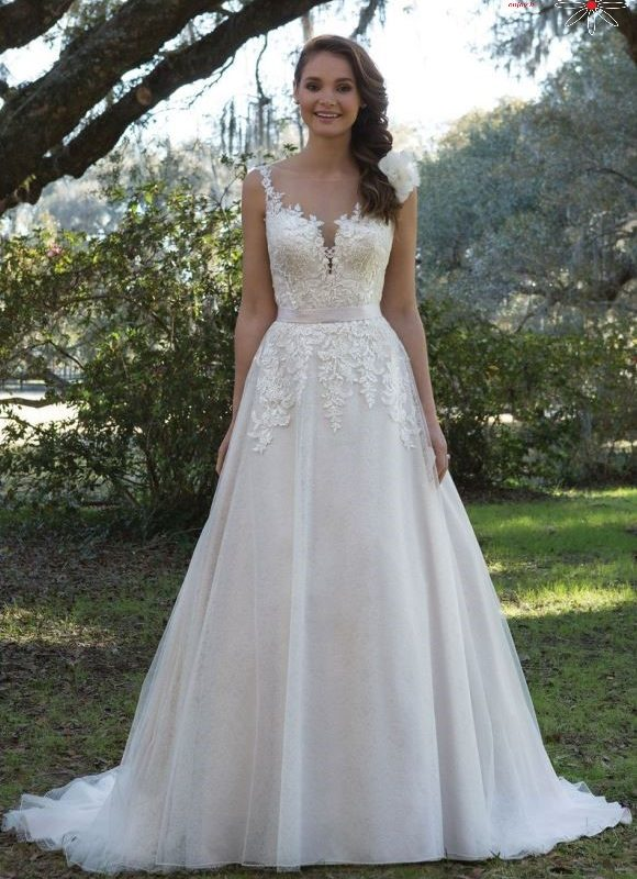 Romantiška vestuvinė suknelė 6166