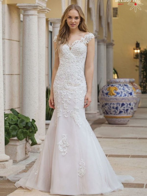 Šampano spalvos vestuvinė suknelė 44100 B
