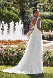 Sincerity vestuvinė suknelė V formos iškirpte