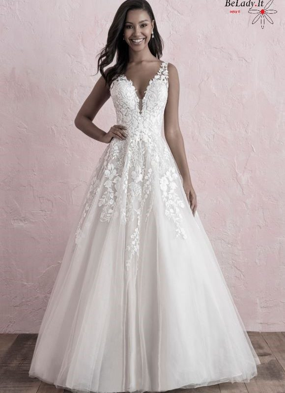 Šampano spalvos vestuvinė suknelė V formos iškirpte