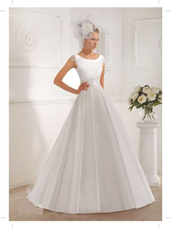 Mikado vestuvinė suknelė su rankovytėmis