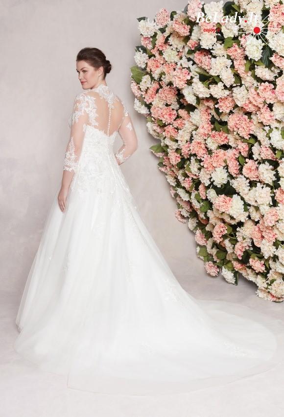 Didelio dydzio vestuvine suknele