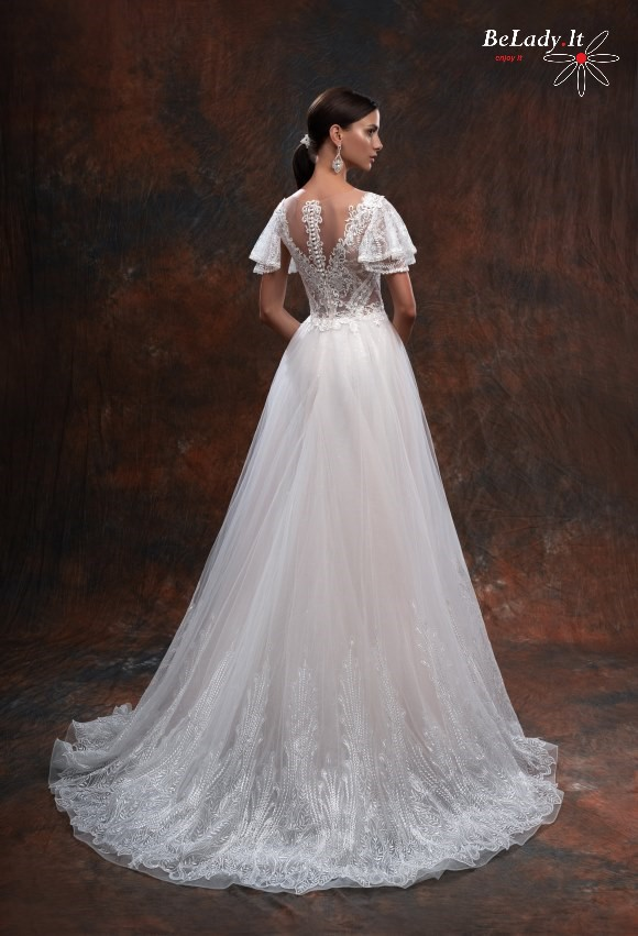 Vestuvine suknele su trumpom rankovem